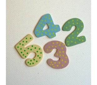 סט מספרים צבעוניים מעץ לשעון 1 עד 12