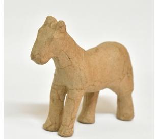 עיסת נייר סוס קטן עומד DECOUPATCH