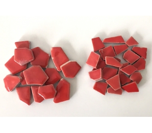 שברי קרמיקה אדומים במבחר 2 גדלים