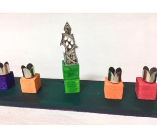 בתי נר לחנוכיה שמש בצורת נר צבע כסף - 90 יח